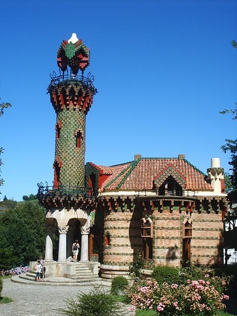 Torre del Capricho de Gaudi